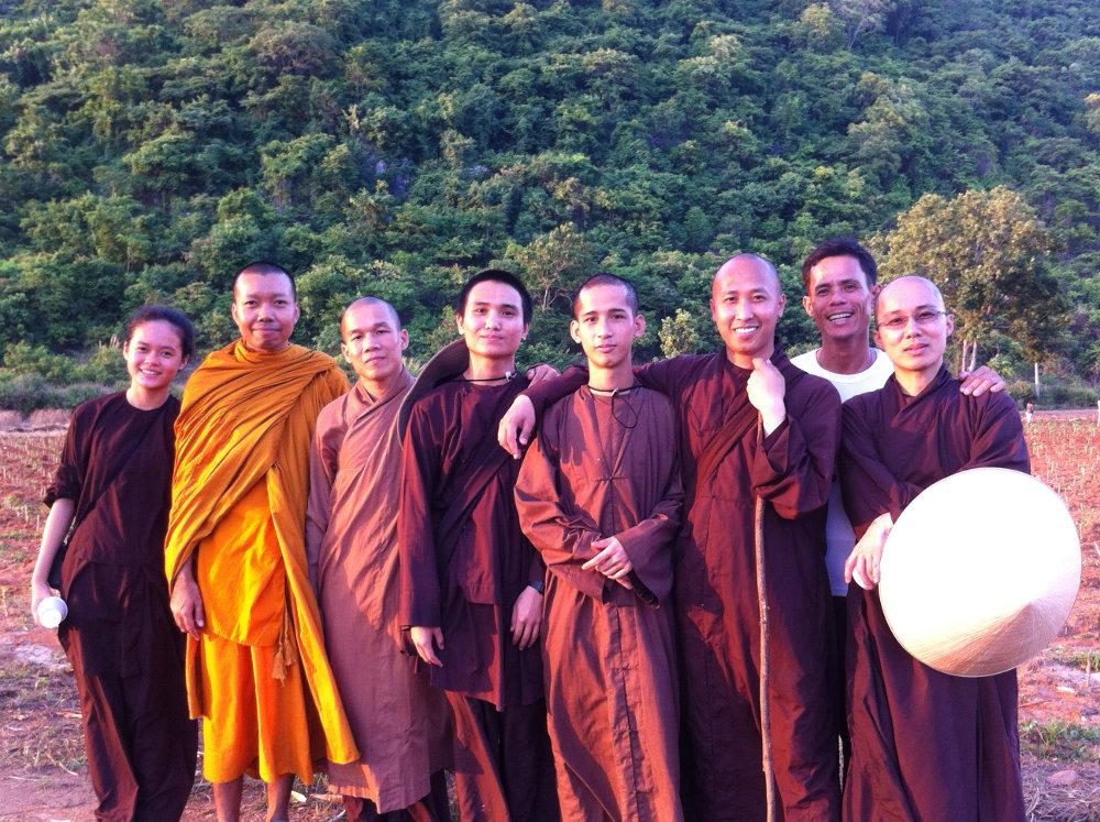 Bersaudara dalam Dharma